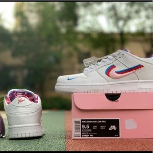 Dunk Low  athletic shoes